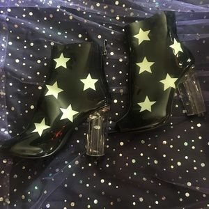 Open toe star boots ✨